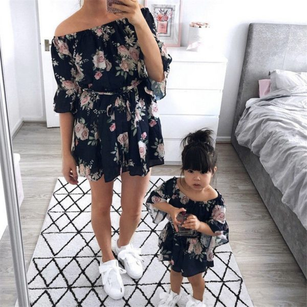 Mother and Daughter Boho Dresses Fashion Parent-child Off-shoulder Dress Family Matching Outfits Mom Half Sleeve Printed Dresses 1