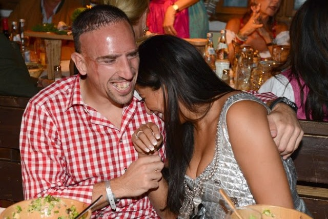 Franck-Ribery-with-Wife-2012-02.jpg
