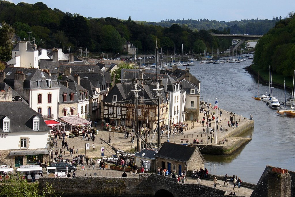 auray-from-air.jpg