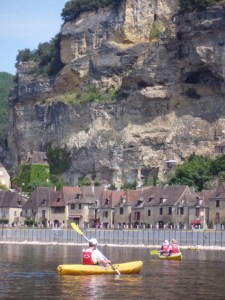 Stunning Sights: the village of La Roque-Gageac draws the gazes of kayaking tourists