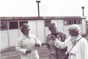 Hospital Revisited, 1995: (l-r) former Irish Red Cross Hospital nurse Dilly Fahey, Dilly Fahey's sister, Mrs Théot.