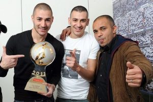 Heavy entourage? Karim Benzema (l) with brother Gressy (middle) and pal