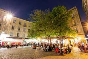 P***ed in Saint-Pierre? The old quarter of Bordeaux is where you'll find a good buzz day or night.