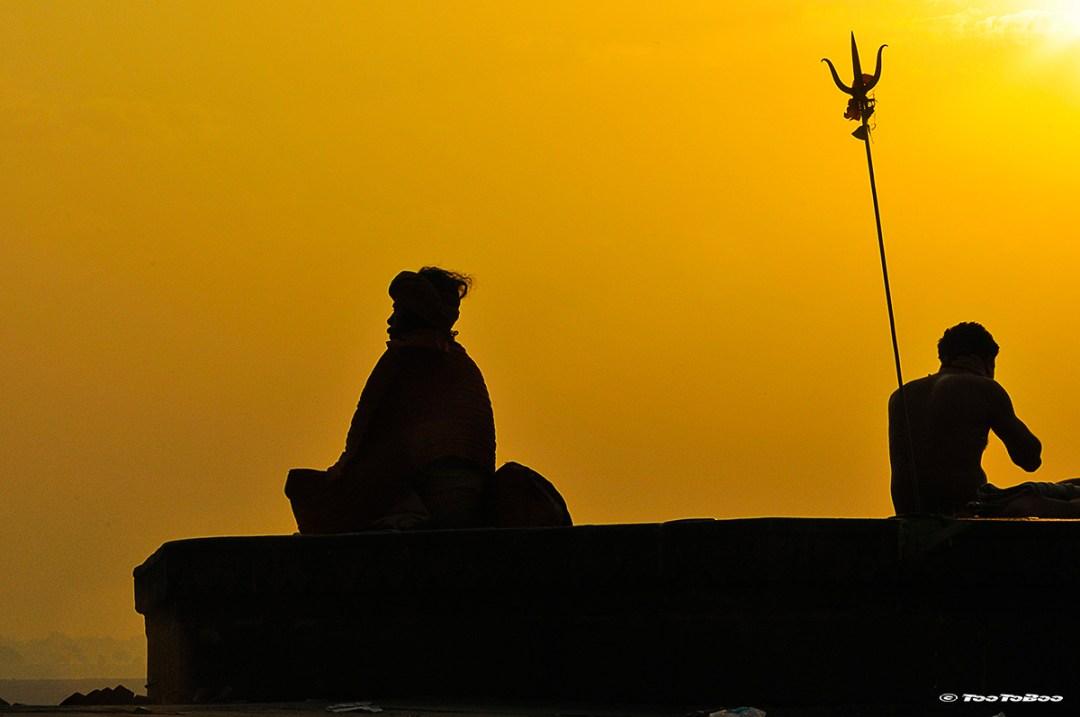 Gourou a la slautation du soleil couchant