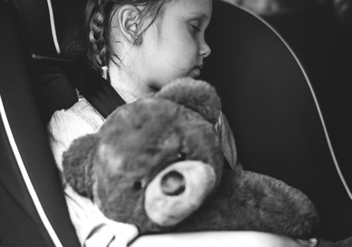 how to keep your toddler from crying in the car