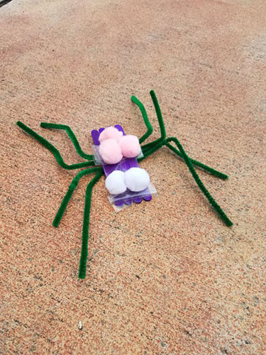 Craft stick spider by Fab Working Mom Life