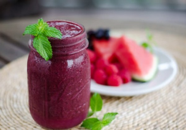 Paleo watermelon berry smoothie