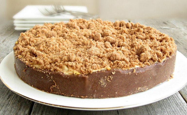 Peanut Butter And Chocolate Crunch Cake