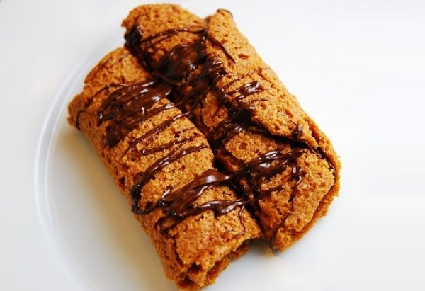 Peanut Butter And Chocolate Cookie Roll-Ups