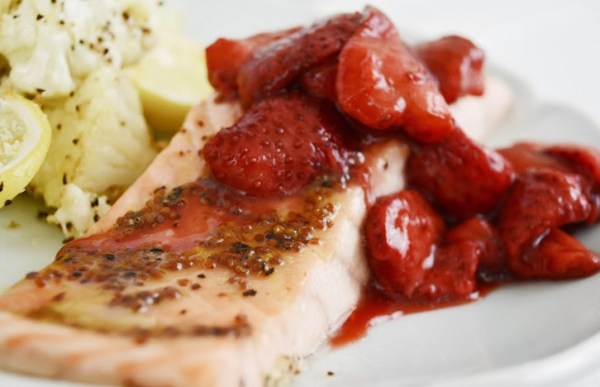Salmon with Roasted Strawberries