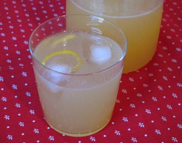 Limoncello Sparkler Cocktail