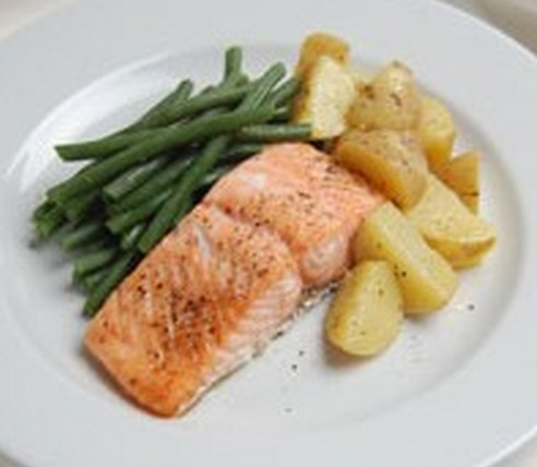 Grilled Salmon & Green Beans