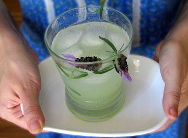 Homemade Lavender Lemonade Recipe