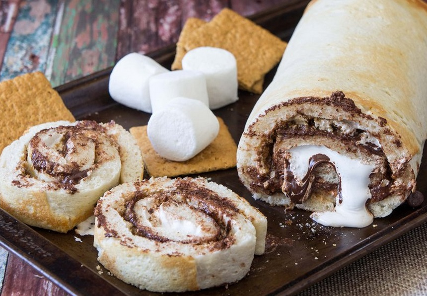 Top 10 Crazy and Unusual Ways To Eat S'mores