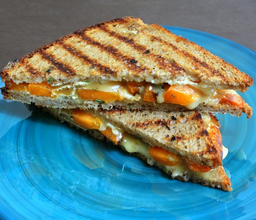 Apricot & Brie Grilled Sandwich