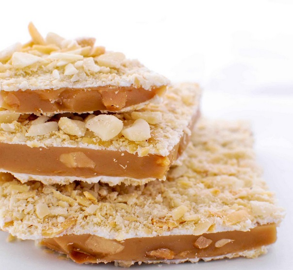 White Chocolate & Almonds Homemade Toffee