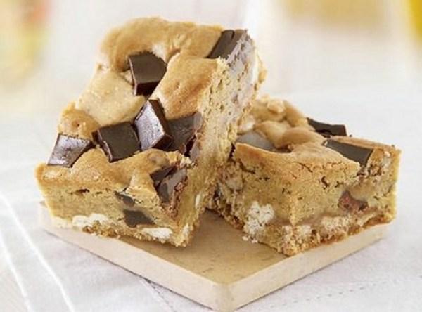 Toffee Crunch Blondie Brownies