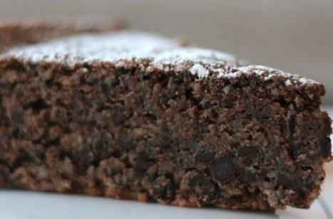 Bittersweet Chocolate and Almond Cake