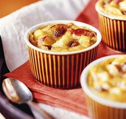 Cinnamon, Raisin & Apple Indian Pudding