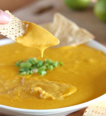 Vegan Cheese Nacho Dip