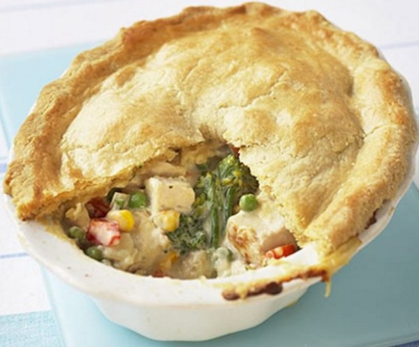 Crumbly Chicken & Vegetable Pie
