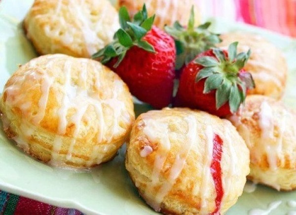 Fruit-Filled Puff Pastry Donuts