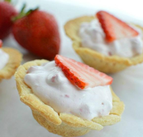 Mini Strawberry Pie Bites