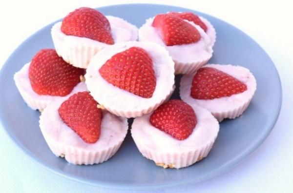 Frozen Strawberry Yoghurt Bites