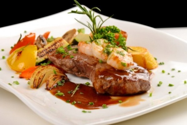 Surf and Turf: Filet Mignon And Shrimps Asian Style
