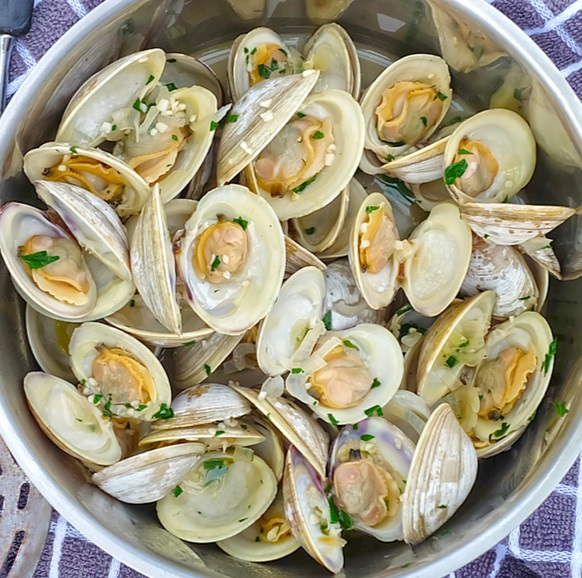 Steamed Clams On The Halfshell