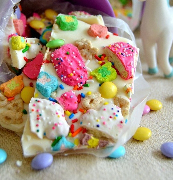 Lucky Rainbow Bark - Animal Crackers
