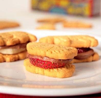 Animal Cracker Sandwiches