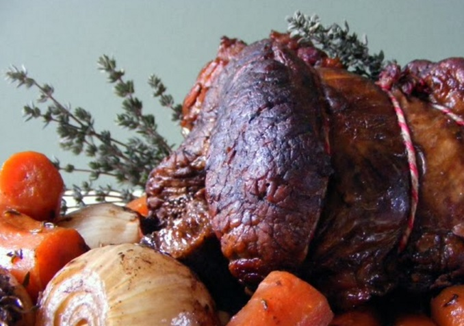 Slow Cooker Rolled Brisket With Red Wine