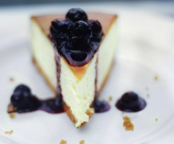 New York Cheesecake With Blueberries