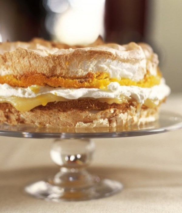 Lemon Meringue Pie Cake
