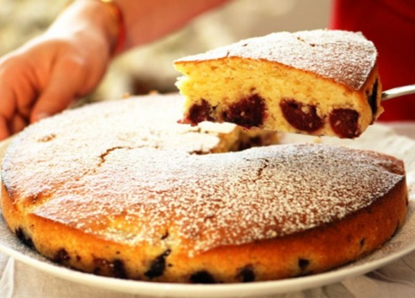Tartouillat (Cherry and Rum Cake)