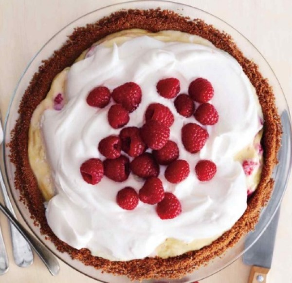 Classic Raspberry Cream Pie