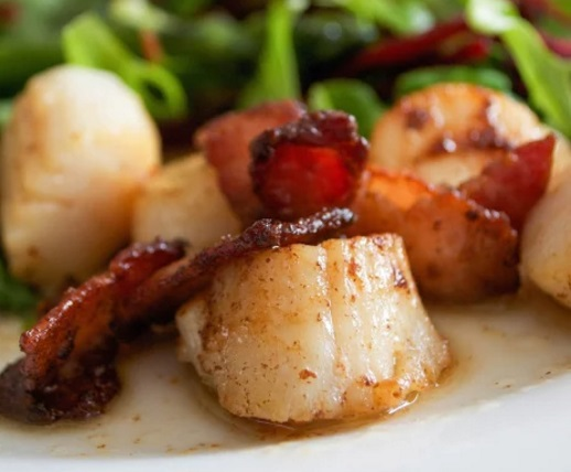 Perfect Pan Fried Scallops and Bacon
