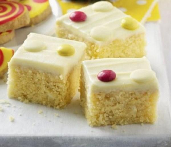 White Chocolate Spotty Cake