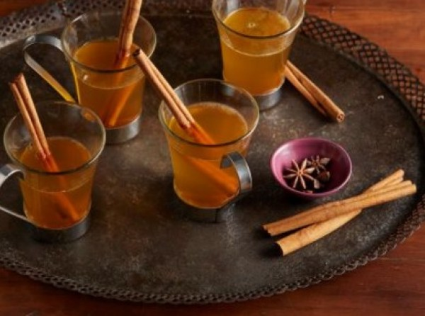 Traditional Hot Mulled Cider