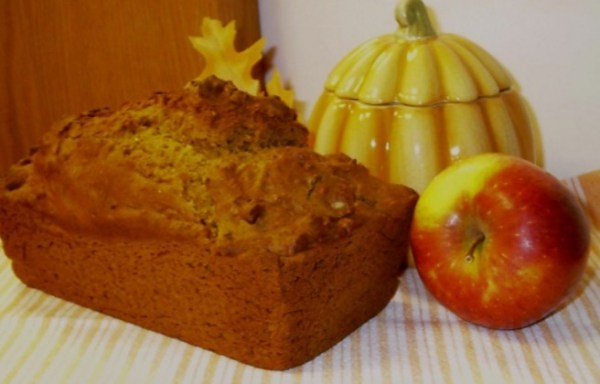 Pumpkin & Apple Mulled Cider Bread