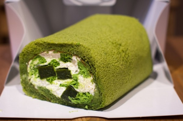 Green Tea Roll Cake