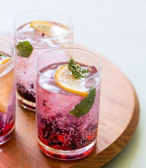 Blackberry & Meyer Lemon Gin & Tonic