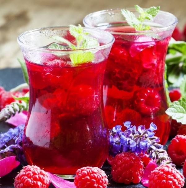 Homemade Raspberry Tea