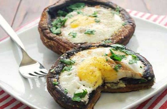 Eggs Filled Portobello Mushrooms