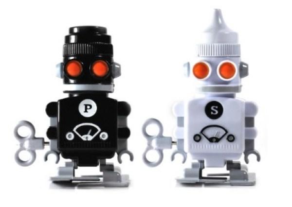 Wind-up Robot Salt & Pepper Pots