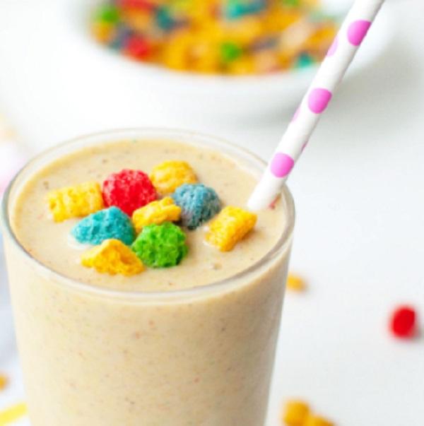 Crunch Berry Cereal Breakfast Shake