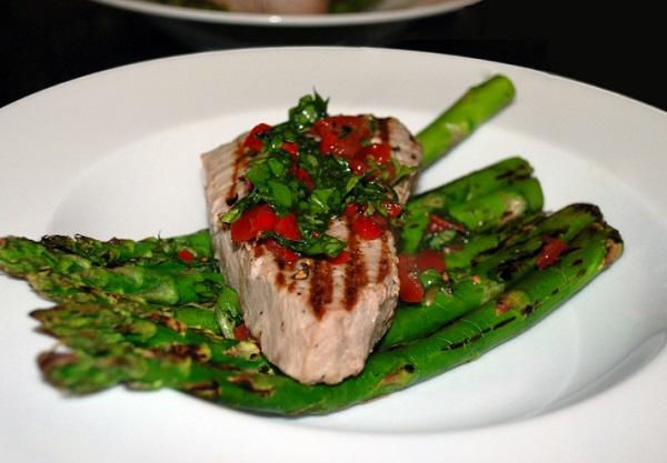 Griddled Tuna & Asparagus
