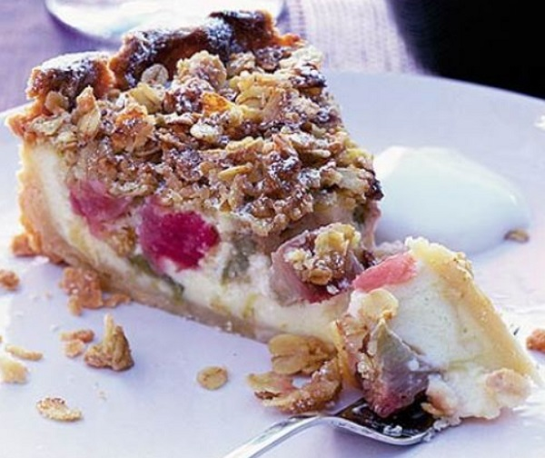 Classic Rhubarb & Custard Pie
