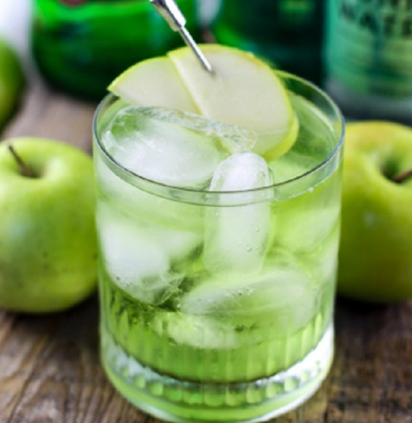 Apple Irish Sour Cocktail